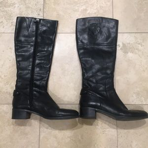 Etienne Aigner leather black boots